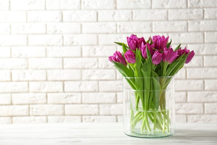 Vazoların İçleri Kolayca Nasıl Temizlenir?